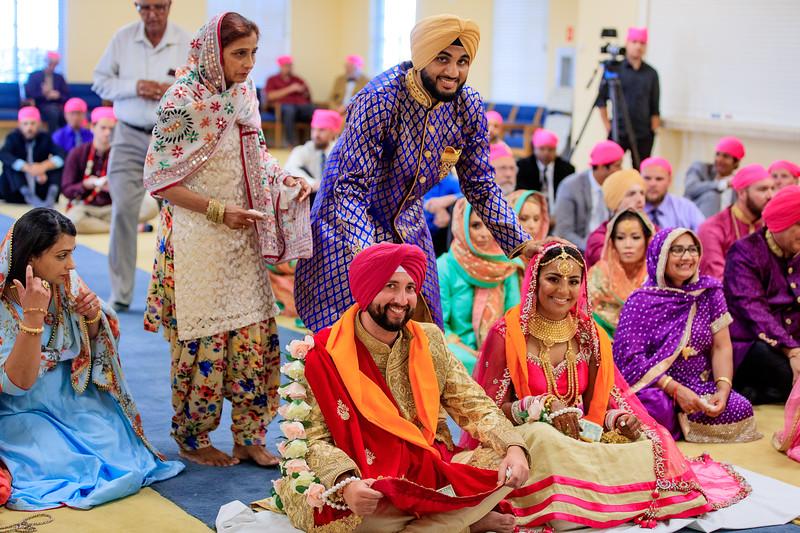 Neelam_and_Matt_Gurdwara_Wedding-1495.jpg