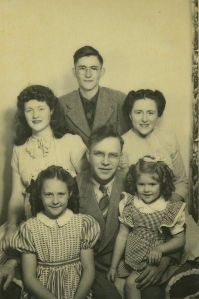 Charles Lein Family 02.jpg