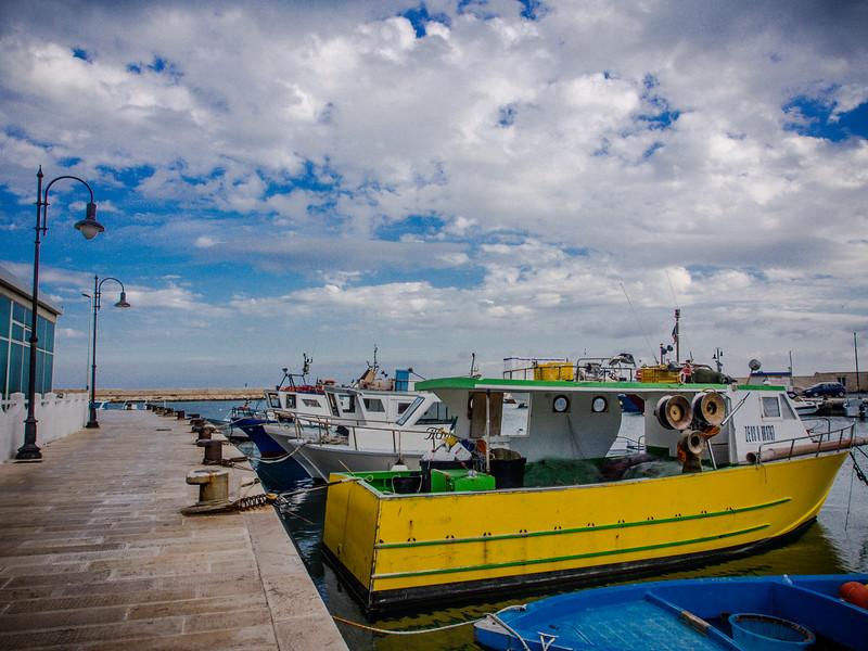 savelletri harbour.jpg