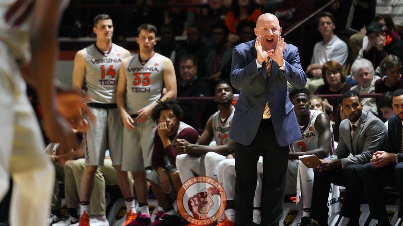 Head coach Buzz Williams shouts instructions to his squad. (Mark Umansky/TheKeyPlay.com)