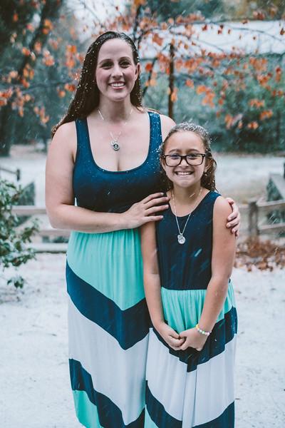 11-27-16 Becky & Douge Family Photo Session Oak Glen in the Snow-8976.jpg
