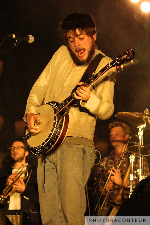 """Country"" Winston Marshall of Mumford & Sons in Las Vegas, April 2011