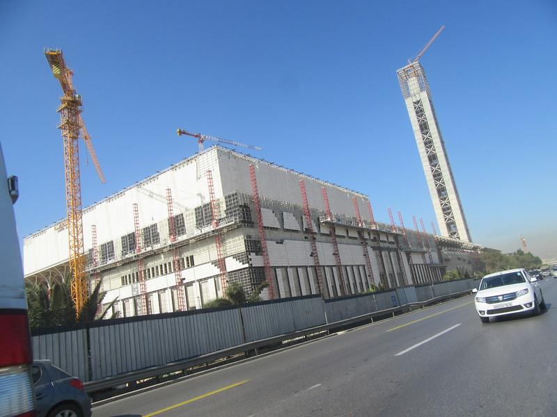 015_Alger. À Mohammadia, la 3e plus grande mosquée du monde. 40,000 fidèles. Minaret haut de 300m..JPG