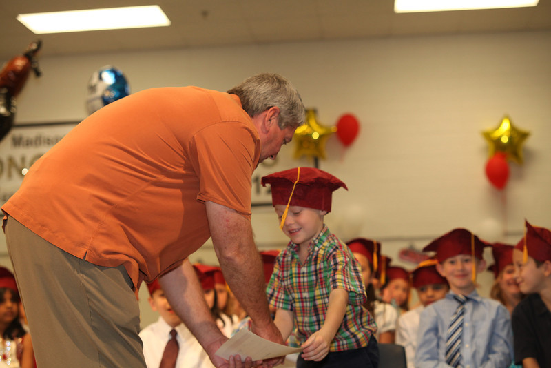 2012May18_MTA Kinder Grad_9733.JPG