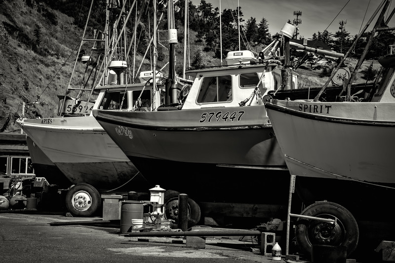 Port Orford 3 boats bw 070518.jpg