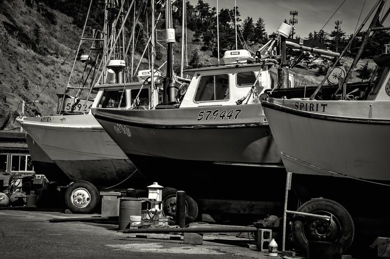 Port Orford 3 boats bw 070518.jpg
