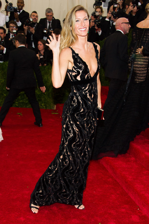 ". Gisele Bundchen attends The Metropolitan Museum of Art\'s Costume Institute benefit gala celebrating ""Charles James: Beyond Fashion\"" on Monday, May 5, 2014, in New York."