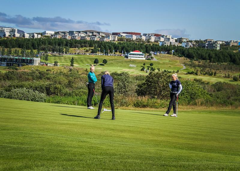 Íris Lorange Káradóttir, Auður Sigmundsdóttir, Kristín Sól Guðmundsdóttir.  Íslandsmót golf 2019 Grafarholt - 1. keppnisdagur. Mynd: seth@golf.is