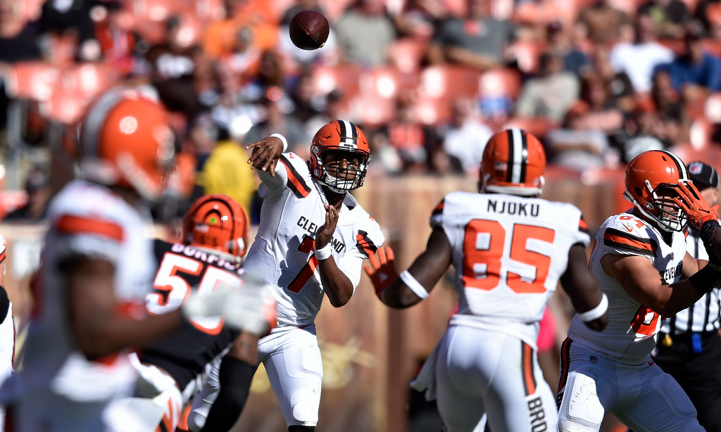. Cleveland Browns quarterback DeShone Kizer passes in the second half of an NFL football game against the Cincinnati Bengals, Sunday, Oct. 1, 2017, in Cleveland. (AP Photo/David Richard)