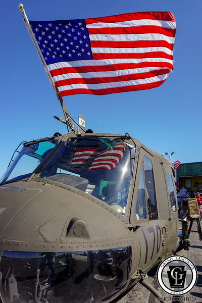 1345 - Airport - Army Helicopter with Flag