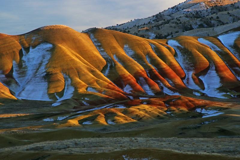 Painted Hills w snow 559 sf.jpg