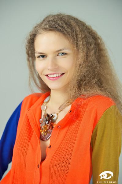 Irina Portrait w logo-15.jpg