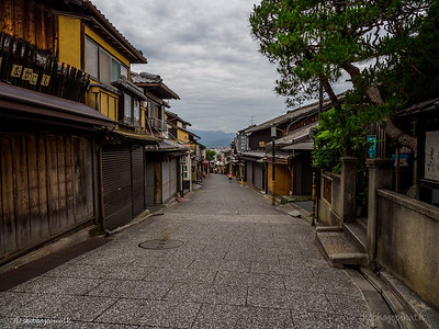 Higashiyama District - An early morning stroll before the crowds
