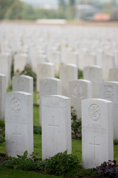 Ypres Tyne Cot Cemetery (5 of 123).jpg