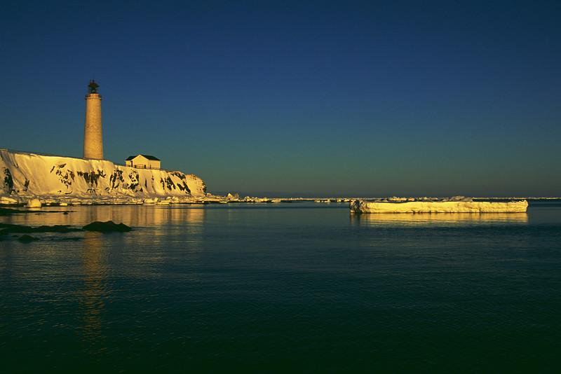 Phare de Cap-des-Rosiers, plus haut phare au Canada - Parc national Forillon, QuébecCap-des-Rosiers lighthouse, tallest in Canada - Forillon national park,