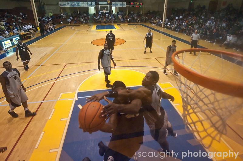08-12-09_Edited_SF_Summer_League_Roeder_16.jpg