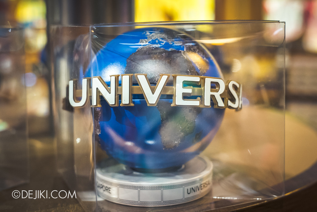 Universal Studios Singapore Park Update August 2017 - Universal Globe display new 2017 version