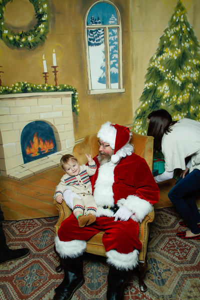 Pictures with Santa at Gezellig-157.jpg