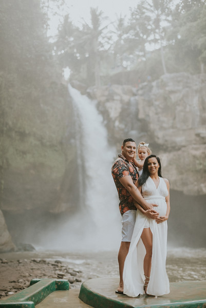 VTV_family_photoshoot_with_waterfall_Bali (17).jpg
