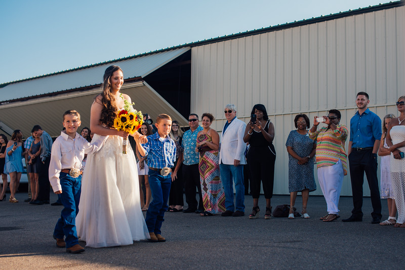 Kevin and Hunter Wedding Photography-6034623.jpg