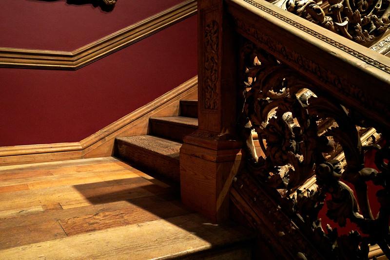 Stairs Metropolitan Museum.jpg