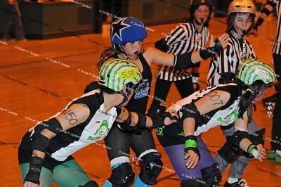 SCDG Groms Bumper Scars vs SVRG Micro Chicks - May 1st, 2011
