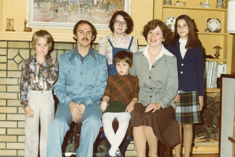 1977 Family.jpg