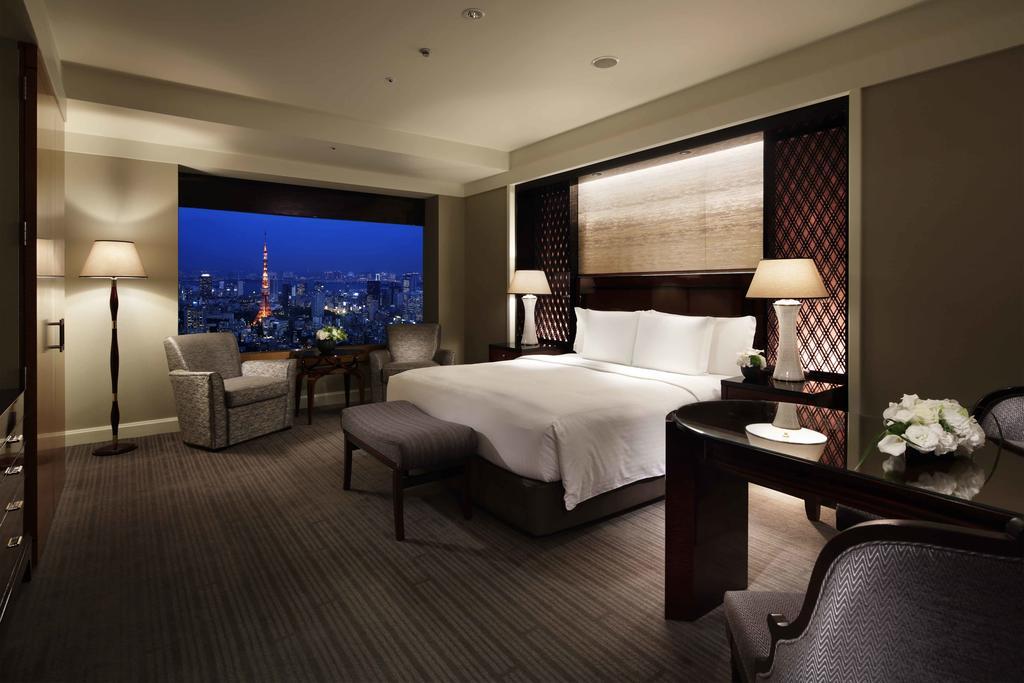 Ritz-Carlton Tokyo guest room