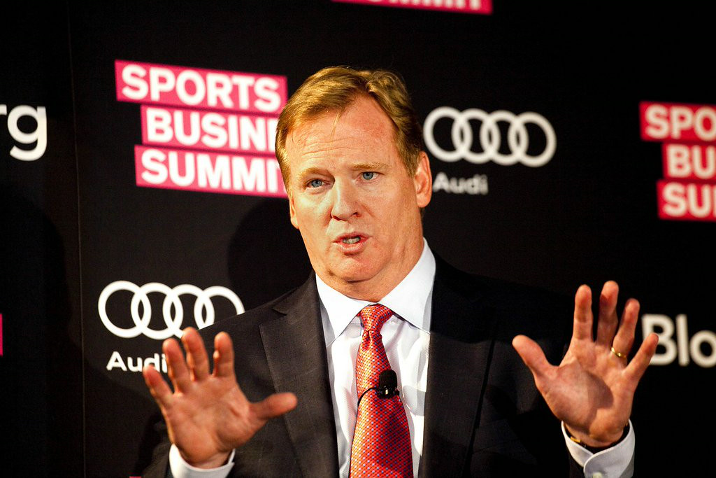 """. 10. (tie) ROGER GOODELL <p>Makes sure Ray Rice will think twice before dropping his wife off an elevator. Again. (unranked) </p><p><b><a href=\""""http://www.usatoday.com/story/sports/nfl/2014/08/28/roger-goodells-letter-to-nfl-owners-on-new-domestic-violence-policy/14746759/\"""" target=\""""_blank\""""> LINK </a></b> </p><p>   (Michael Nagle/Bloomberg)</p>"""