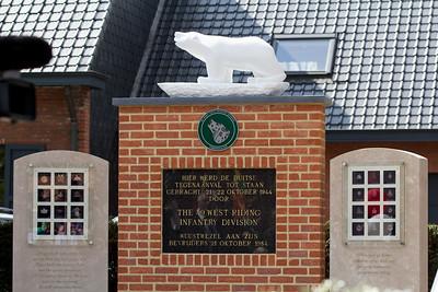 Bevrijdingsherdenking 2013 - Vernieuwd monument