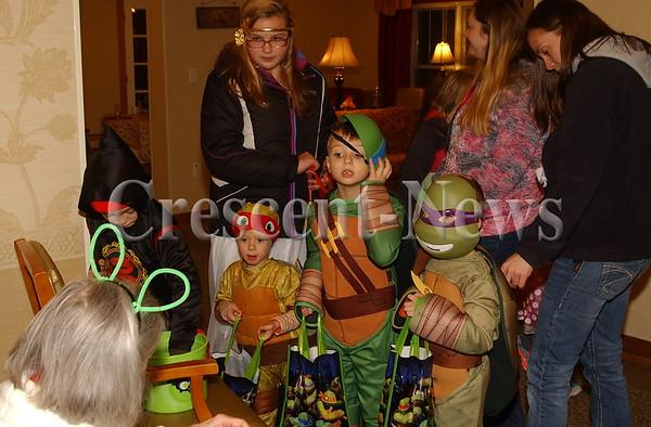 10-29-15 NEWS Glenn Park Halloween Party