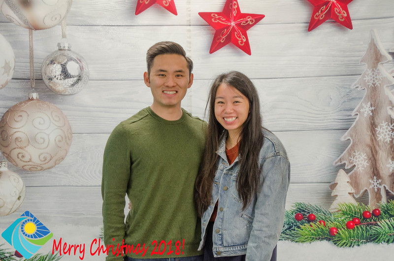 Christmas Photobooth 2018 Sunday-100.jpg