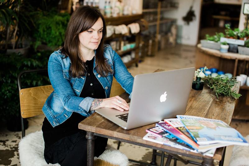 Maggie Cramer: Freelance Writer. Business Branding Portrait Session