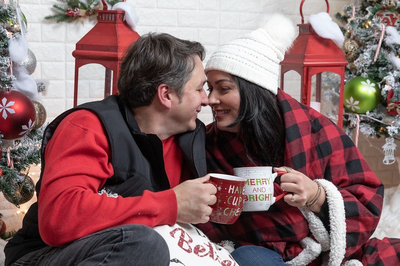 12.21.19 - Marceli's Christmas Photo Session 2019 - -50.jpg