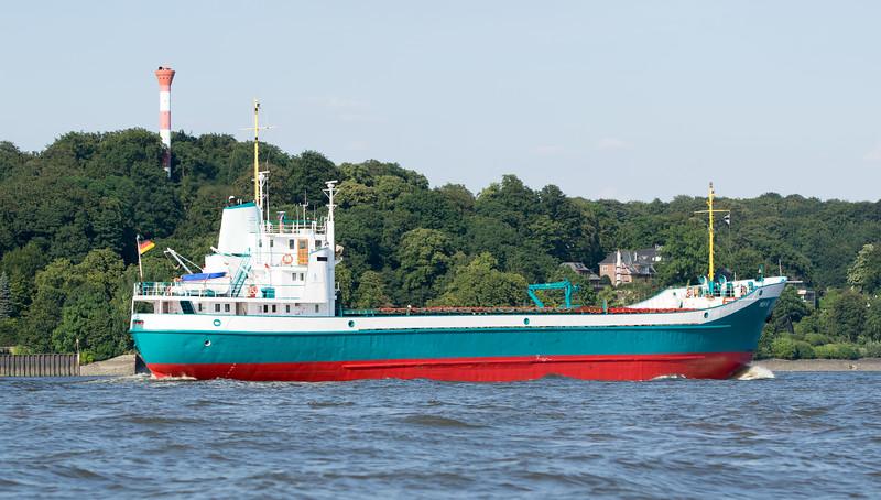 Küstenmotorschiff auf der Elbe bei Hamburg