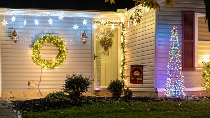 logan-elm-village-christmas-lights-104.jpg