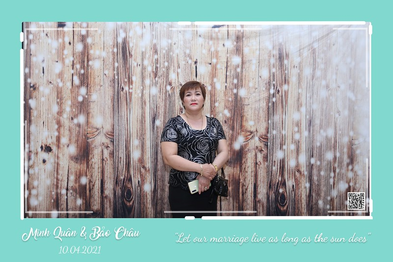 QC-wedding-instant-print-photobooth-Chup-hinh-lay-lien-in-anh-lay-ngay-Tiec-cuoi-WefieBox-Photobooth-Vietnam-cho-thue-photo-booth-103.jpg