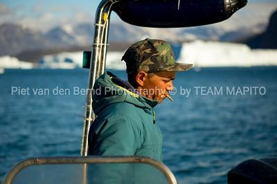 Showcase Piet van den Bemd on kayak expedition in Greenland