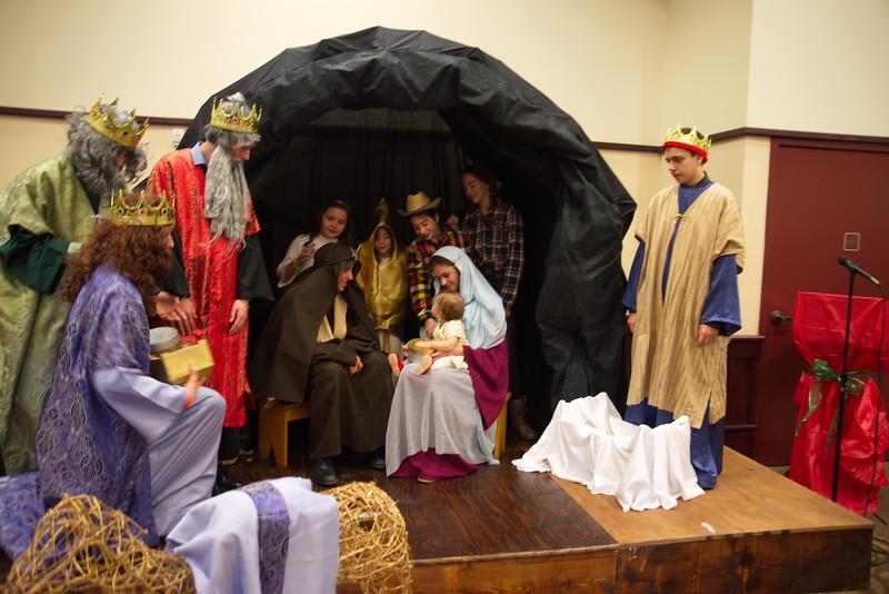2014-12-21-Christmas-Pageant_224.jpg