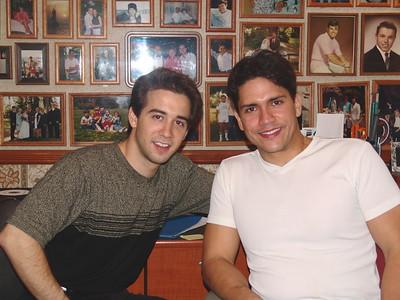 2004-10-4 Aaron & Ross - Up