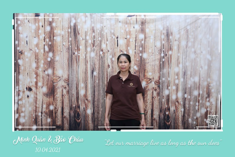 QC-wedding-instant-print-photobooth-Chup-hinh-lay-lien-in-anh-lay-ngay-Tiec-cuoi-WefieBox-Photobooth-Vietnam-cho-thue-photo-booth-115.jpg