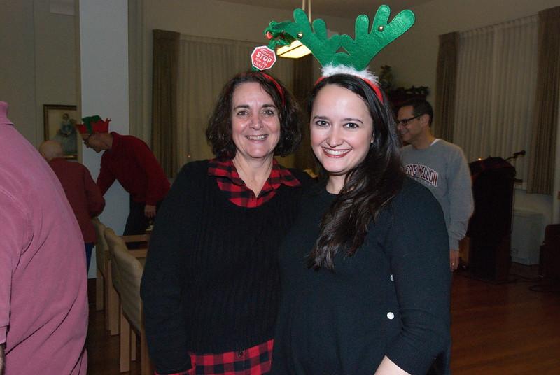 2018-12-19-Christmas-Caroling_032.jpg