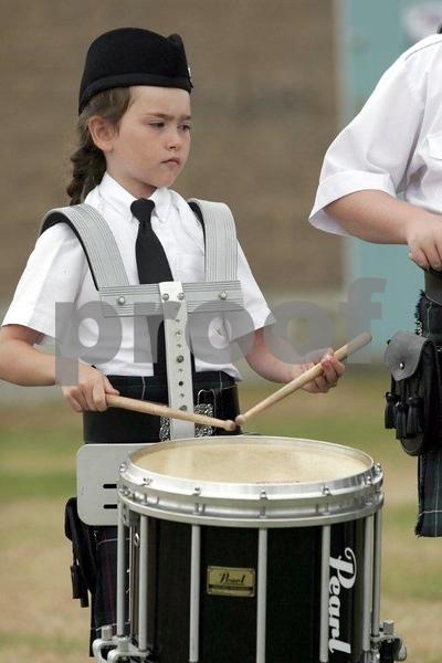Scottish drummer girl 0363.jpg