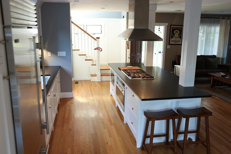 030_Kitchen3.jpg