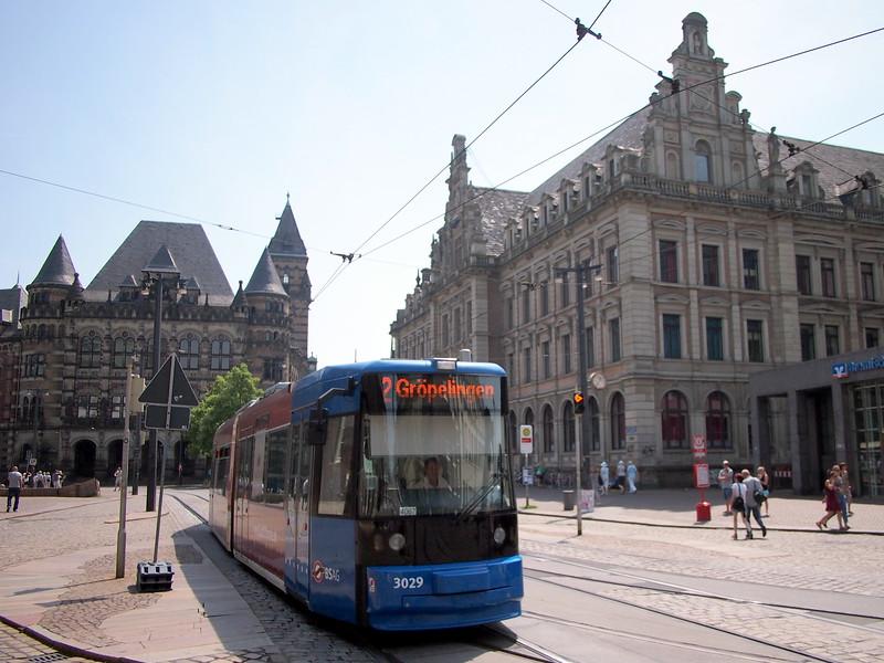 P7043183-tram.JPG