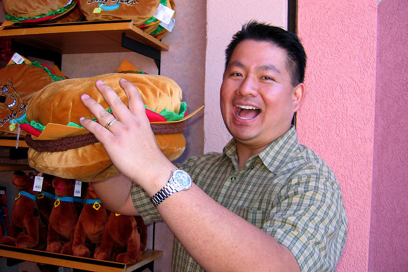 Cly finds food at Universal Studios.