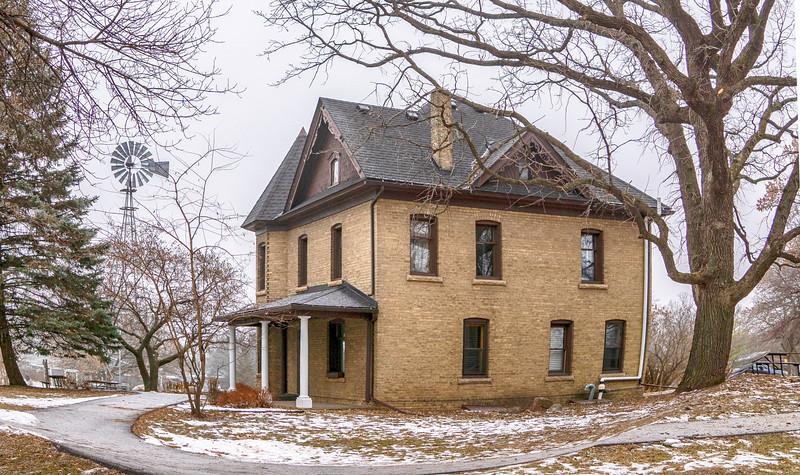 KOEHNEN HOUSE AKA Karen House Jonathan pic 3