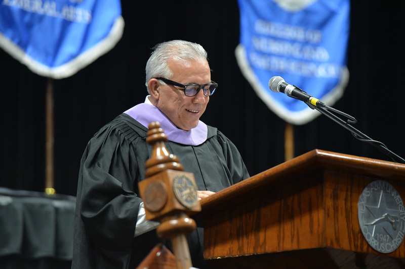 Dr. Haysam Dawood '85, Secretary of the Texas A&M University-Corpus Christi National Alumni Association, welcomes new Islander alumni to the National Alumni Association.