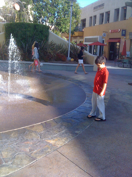 2009-08-22 Water Fountain at PV Mall