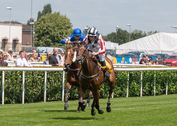 Doncaster Races - Fri 05 July 2019